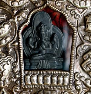 持ち運びができるチベット仏教の仏壇 ガウ(大)の個別写真