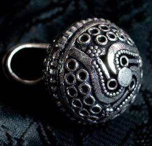 シルバーメタルのガムランボール【チェーン付】の個別写真