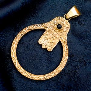 ハムサの天然石ゴールドペンダントトップ 【首用の紐付き】 -約5.5cmx4cmの選択用写真