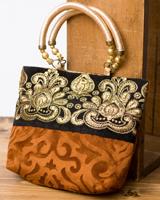 インドのゴージャスハンドバッグ - ブラック&ゴールドの個別写真
