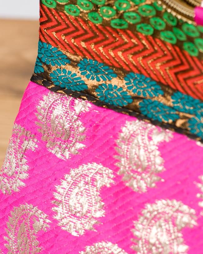 インドのゴージャスハンドバッグ - ペイズリー2-柄の部分をアップにしてみました。\
