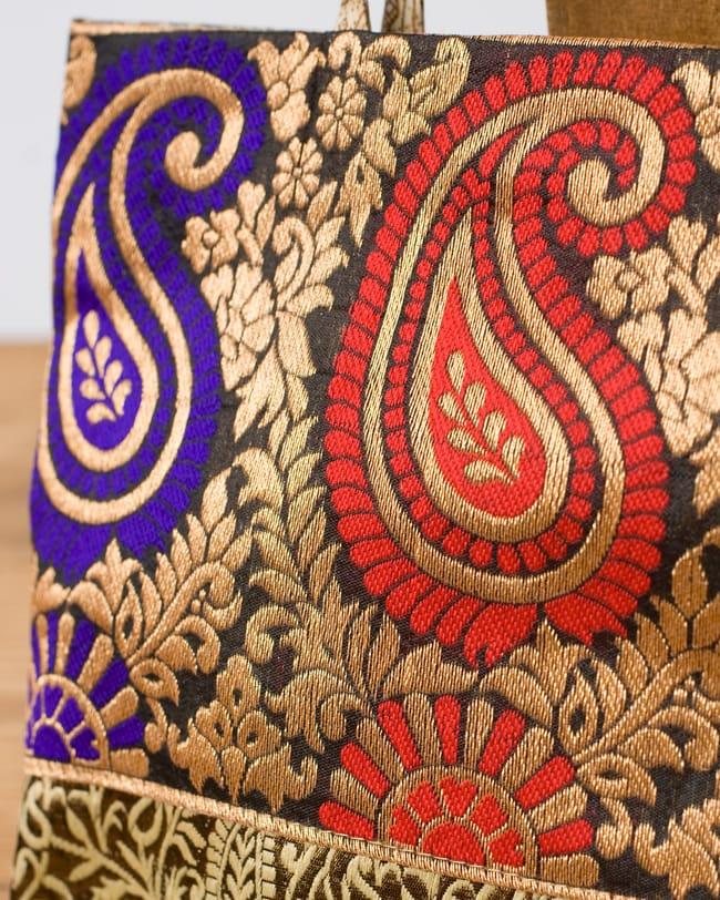 インドのゴージャスハンドバッグ - ゴールドペイズリー2-柄の部分をアップにしてみました。\