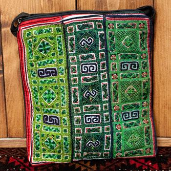 【一点物】モン族刺繍のスクエアショルダーバッグの個別写真