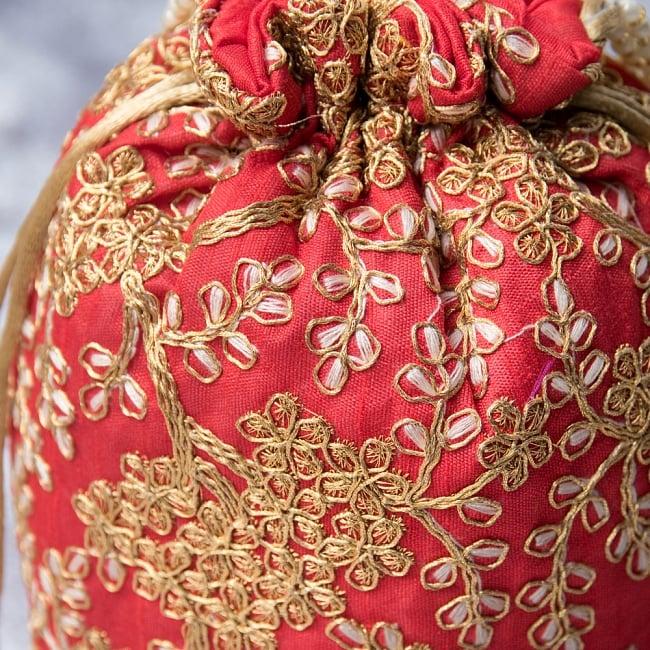 インドのきらきらミニバッグ・サリー等へオススメの巾着 - レッド2-柄の部分をアップにしてみました。\