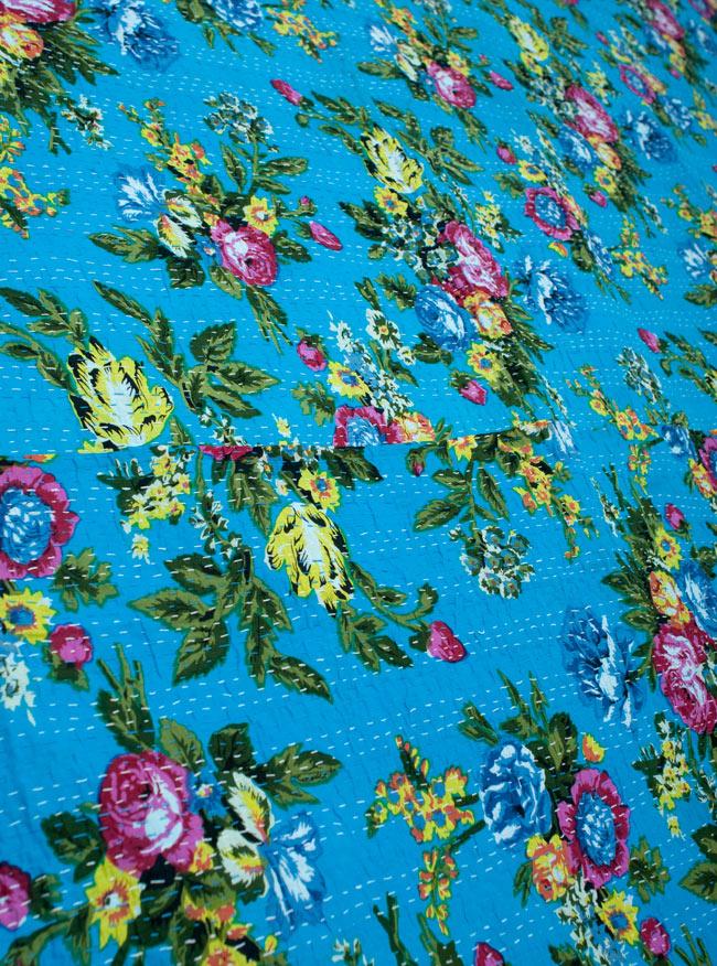 〔約150cm×224cm〕ラリーキルト 手作りカンタ刺繍のソファー&ベッドカバー - 水色2-ハンドメイドの家庭的な味わいが魅力的\