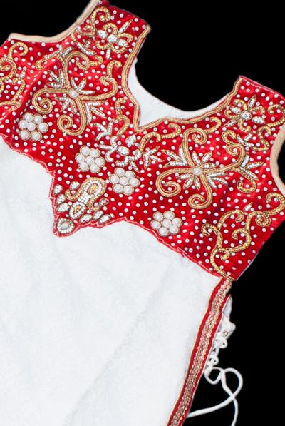 サフェードのパンジャビドレス 3点セット 白×赤の個別写真