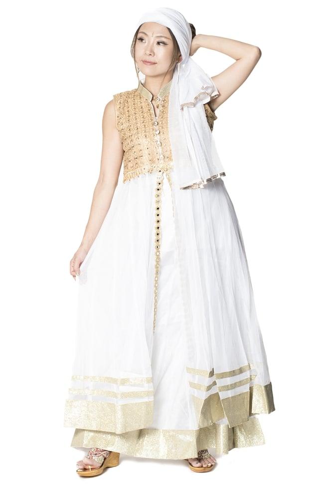 サフェードのパンジャビドレス 4点セット 白×金色の写真