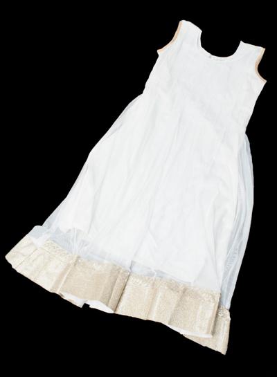 サフェードのパンジャビドレス 4点セット 白×金色の個別写真