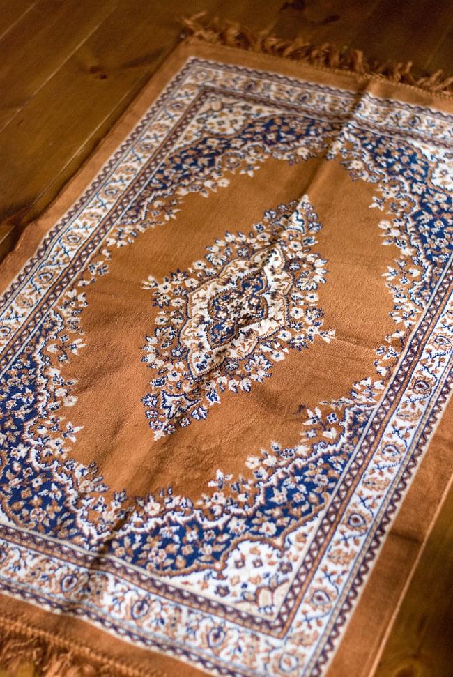 インドのエスニック絨毯 ロング【約110cm×約68cm】 黄土の写真