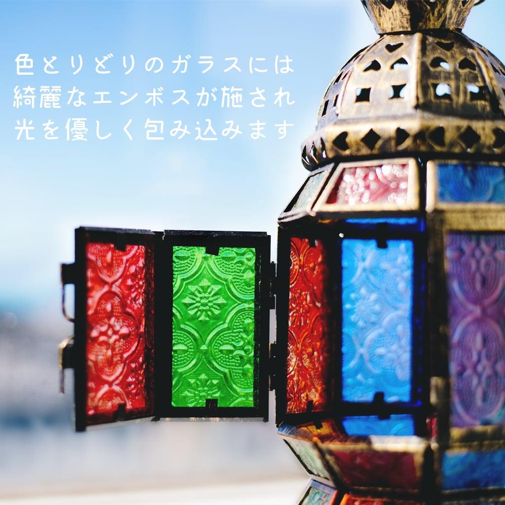 モロッコスタイルの透かし彫りキャンドルランタン【ロウソク風LEDキャンドル付き】 - 【レッド】約11×8cmの説明画像