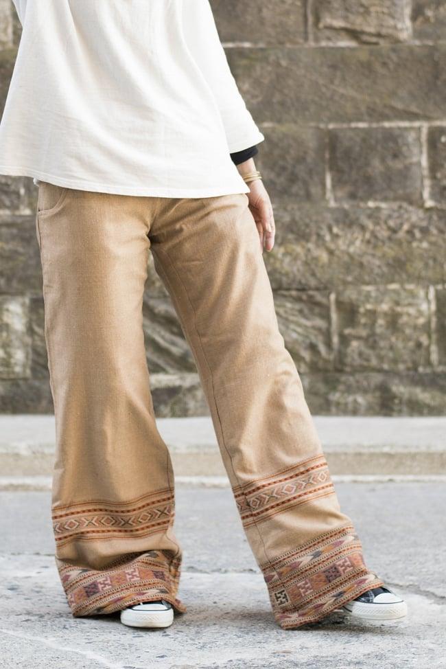 インディアン刺繍のボヘミアンワイドパンツ2-エレガントな中にエスニック感の光るパンツです。\