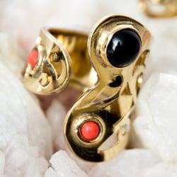 ペイズリー柄のゴールド天然石リング【フリーサイズ】の個別写真