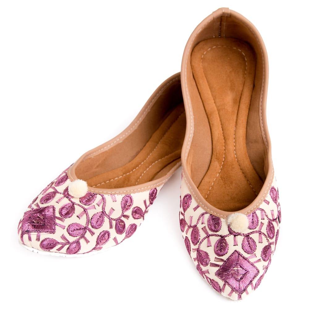 ゴージャス刺繍のマハラニフラットシューズの個別写真