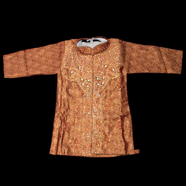 子供用クルタパジャマ 3点セット【唐草・ブラウン】 2-表面の写真です\