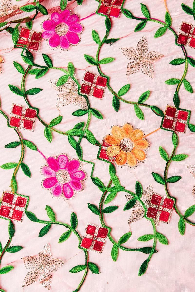 〔50cm切り売り〕レース生地の刺繍とスパンコールクロス〔幅約110cm〕 - 赤の個別写真