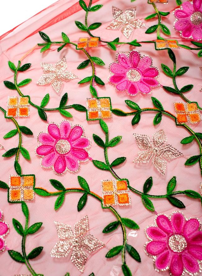 〔50cm切り売り〕レース生地の刺繍とスパンコールクロス〔幅約110cm〕 - 赤の写真