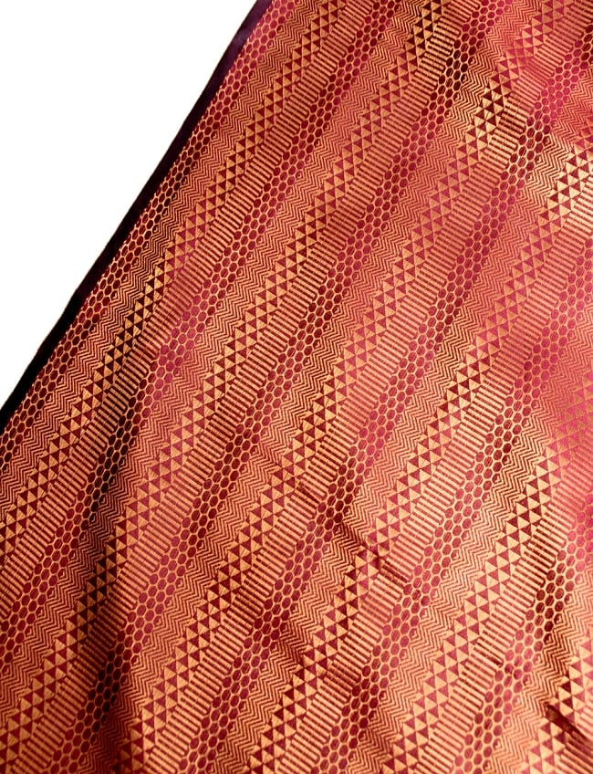 〔1m切り売り〕インドの伝統模様布〔116cm〕 - あずきとゴールドの写真