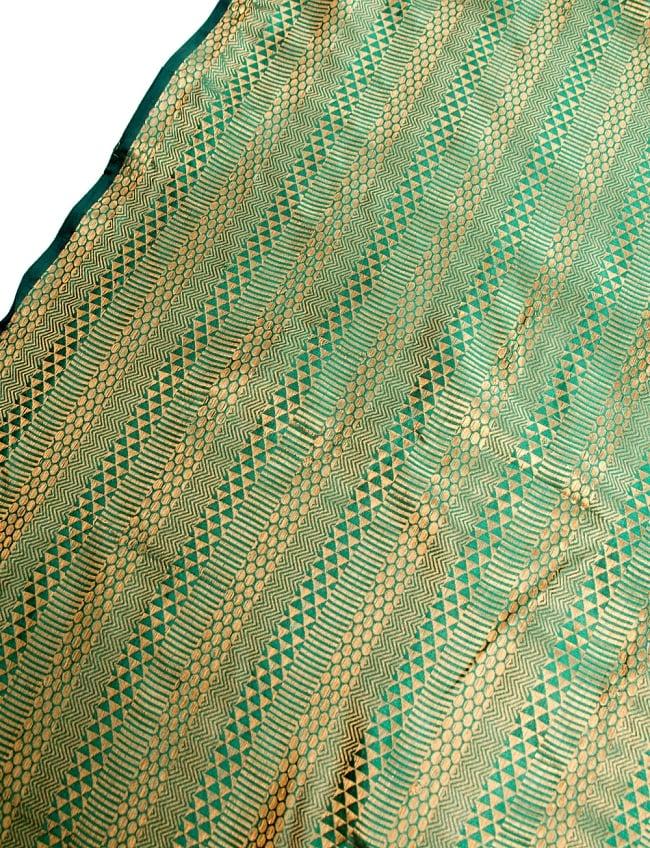 〔1m切り売り〕インドの伝統模様布〔112cm〕 - 緑×ゴールド系の写真