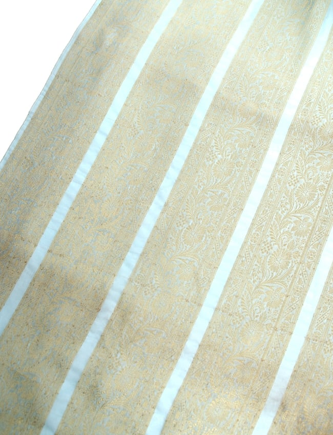 〔1m切り売り〕インドの伝統模様布〔104cm〕 - ミント系
