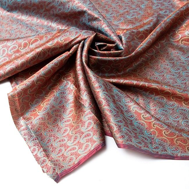 〔1m切り売り〕インドの伝統模様布〔幅約112cm〕