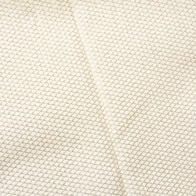 〔1m切り売り〕インドの伝統模様ゴールドプリント布〔幅約110cm〕2-生地の拡大写真です\
