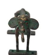 長い象のドアノブの個別写真