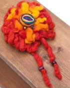 手作りフェルトのフワフワお花ブローチ(大)の個別写真