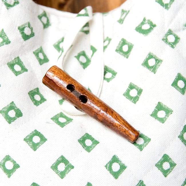 インド綿のトートバッグ 【白】2-木がアクセントになっていてとても可愛いです!\