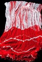 インドの薄ショール クリンクル タイダイドゥパッタ - 赤の個別写真