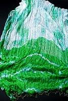 インドの薄ショール クリンクル タイダイドゥパッタ - 黄緑の個別写真