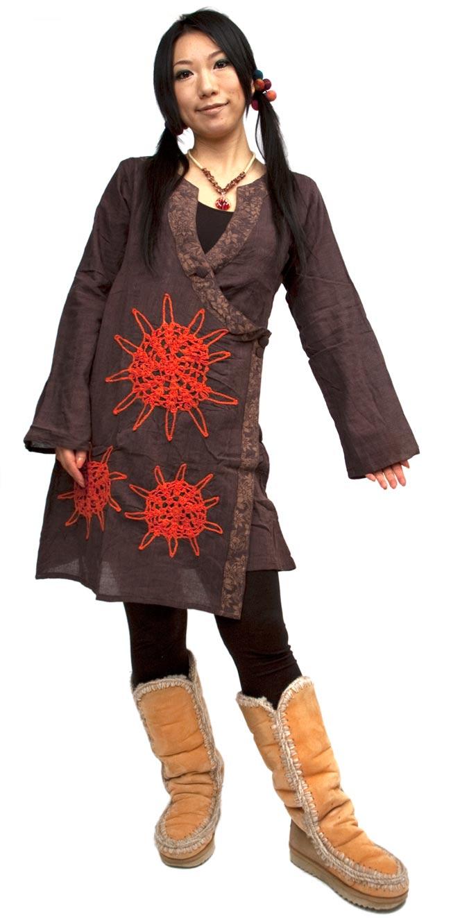 長袖紐刺繍ジャケット【茶】の写真2-身長160cmのモデルさんがS/Mサイズを着てみました。\