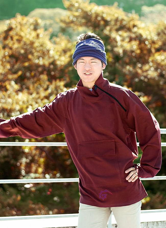チベタン・ジャケット − えんじの写真
