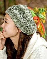 フェルトのポンポン ニット帽 - グリーン×オレンジの個別写真