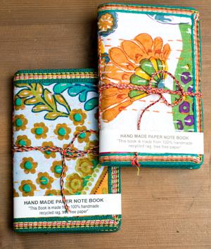 カンタ刺繍の手造りノート(アソート) たて15cmx横10cmの個別写真