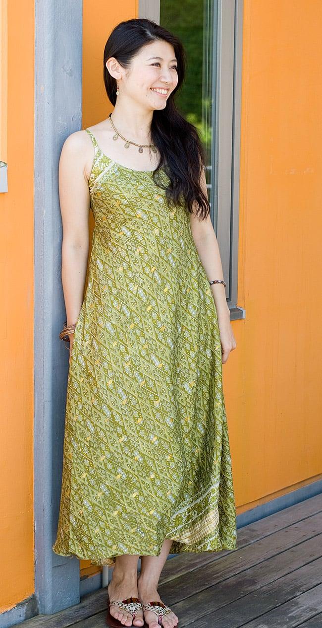 オールドサリーAラインサマードレス 【緑系】2-腰周りは意外とゆったりしたデザインなので、とても着やすいです。ショート、ミディアム丈は9.10枚目の写真をご参考下さい。\