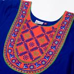 フラワー刺繍のインドのクルティの個別写真