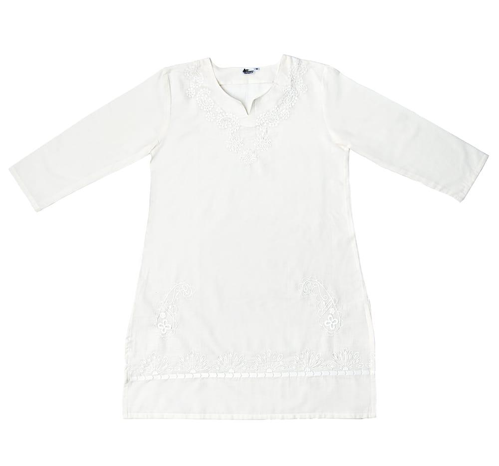 サフェード刺繍 シンプルホワイトクルティの個別写真