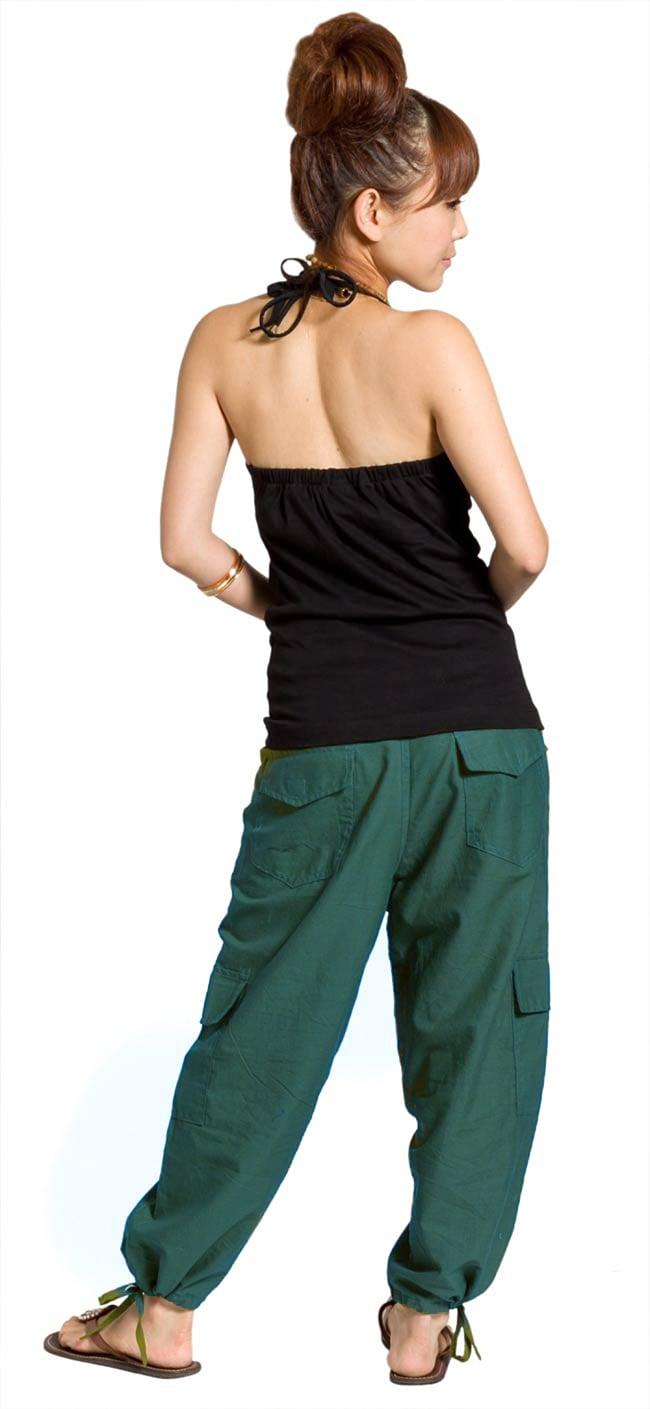 6ポケットコットンパンツ - 青緑2-後ろ姿はこんな感じです。\