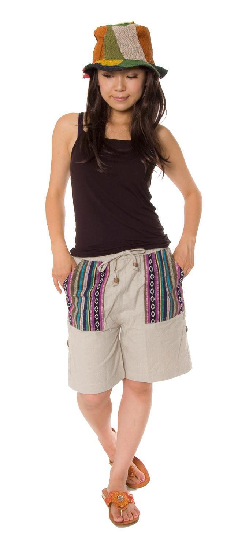 2WAY ポケット刺繍ショートパンツ 【ベージュ】の写真2-身長150cmのモデルさんに着用してもらいました。\