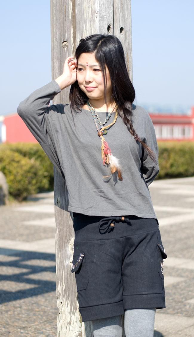 バック刺繍スウェットショートパンツ 【黒】の写真