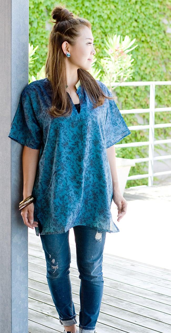 オールドサリーの半袖プルオーバーシャツ ブルー系の写真2-サラサラしたオールドサリーが心地よく着て頂けます。\