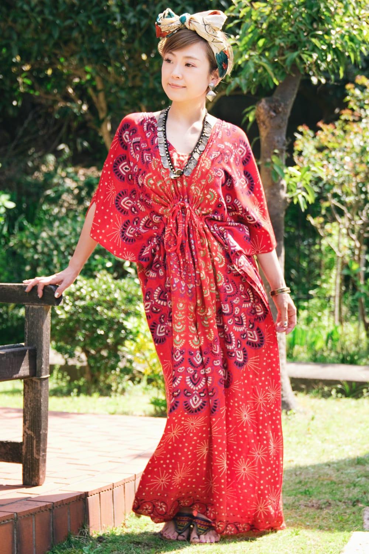 ガラベーヤ風 マンダラ模様のマキシワンピースの個別写真