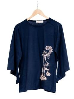 ロータスプリントのコットンベルスリーブTシャツの個別写真