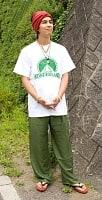 シンプル無地のリラックスパンツ 【グリーン】の個別写真