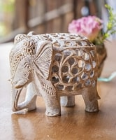 象の中に象がいる! ソープストーン入れ子彫刻(約12cm)