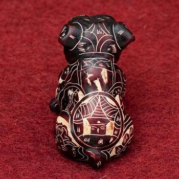 手彫り模様の座りパグ像 赤茶[5.5cm]の選択用写真
