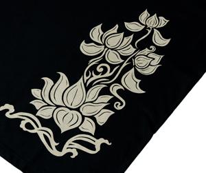 天高く咲く蓮 Tシャツの個別写真