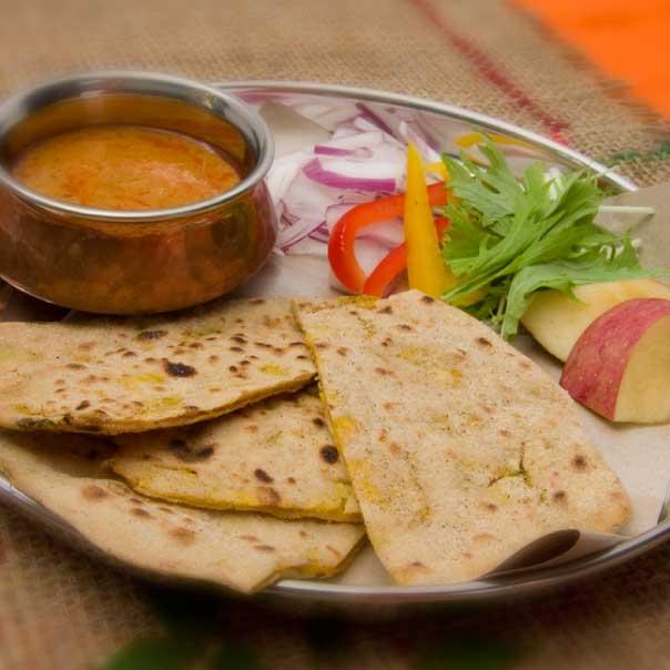 アルパラタ(Aloo Paratha)の写真