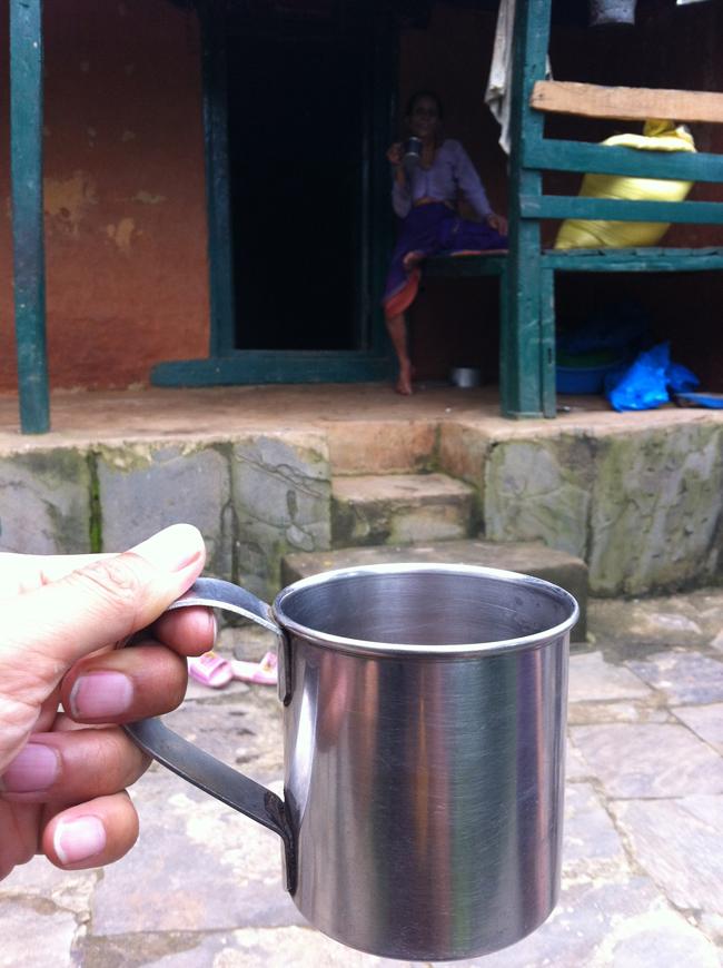 ネパールの山の民のチャイの写真