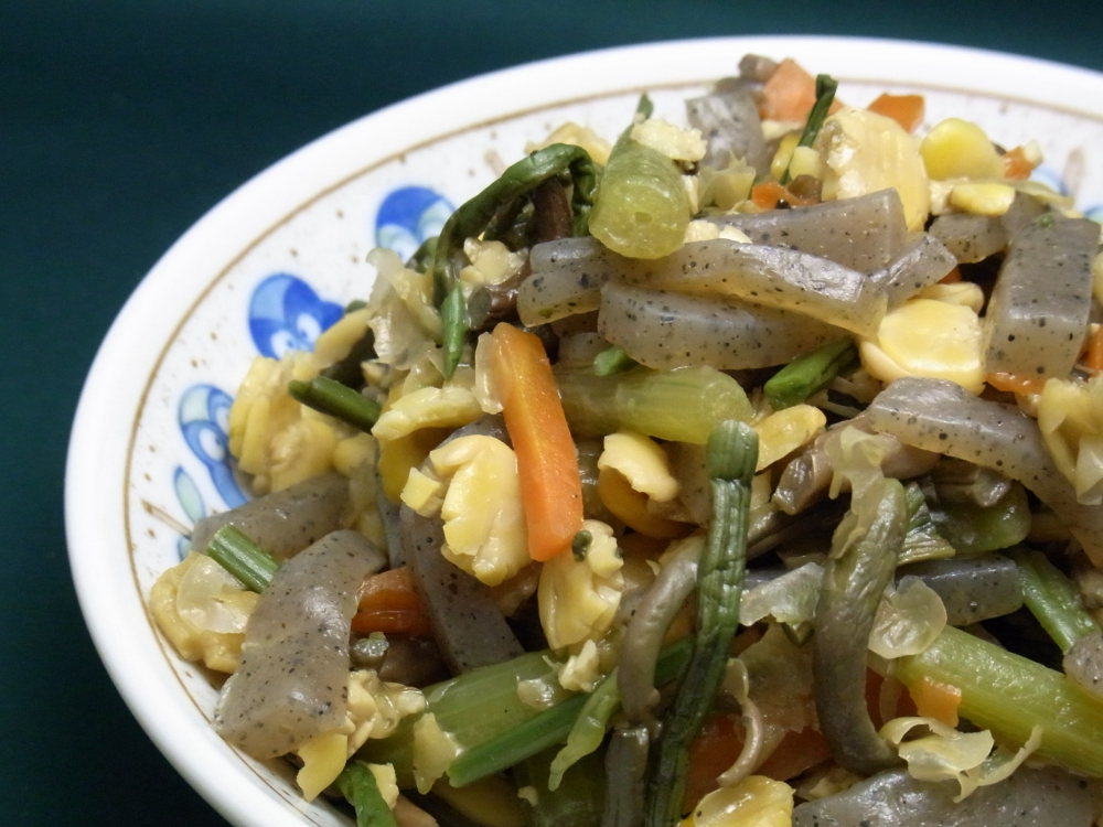 山菜の煮物の写真